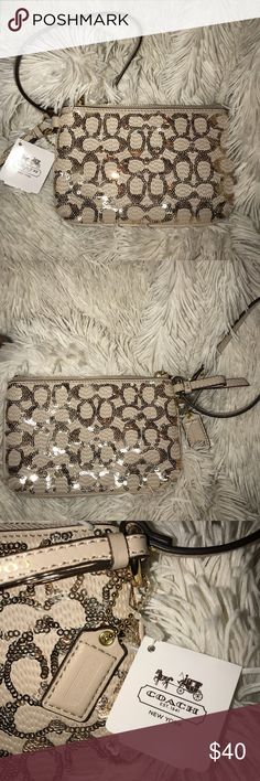 Beautiful Coach Wristlet Brand new with Tags Coach Bags Clutches & Wristlets