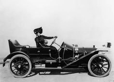 Anna Held ~ (1872 – 1918) in her Mercer during the early 1910's.