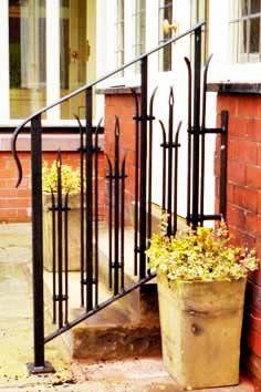 H15: Bespoke Wrought Iron Handrail