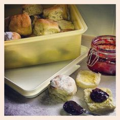 Cooking with Tupperware. Sprite scones with homemade jam! Store in Tupperware for longer shelf life. Photo by Jessica Rose Smith Photography. Rose Smith, Scones Ingredients, Jessica Rose, Shelf Life, Life Photo, Tupperware, Lemonade, Homemade, Store