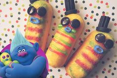 Dinkles has to be the best character in Trolls (the movie). Slightly mismatched, cuddly and with a voice like Barry White, love all his one liners! Mum Birthday Gift, Trolls Birthday Party, Troll Party, 4th Birthday Parties, Diy Birthday, Birthday Ideas, Third Birthday, Anastacia Disney, Troll Cupcakes
