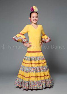 traje de flamenca niña  flamenca dress girl   encuentralo en: https://www.tamaraflamenco.com/es/trajes-de-flamenca-66