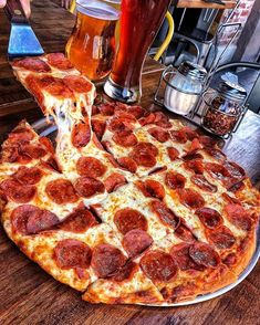 Did someone say it's National Pepperoni Pizza Day? Basically today is Christ. I Love Food, Good Food, Yummy Food, Pizza Day, Pizza Pizza, Food Porn, Comfort Food, Food Goals, Aesthetic Food