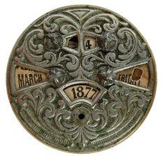 It's like a Steampunk date wheel. Art Nouveau, Vintage Antiques, Vintage Items, Neo Victorian, Tecno, Vintage Love, Steampunk Fashion, Wells, Objects