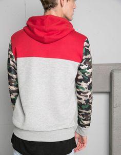 Suéter capuz mangas camuflagem - New - Bershka Portugal