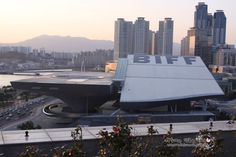 Dureraum(Busan Cinema Center)  Centum City, Haeundae-gu, Busan, Korea. http://minju1004b.blog.me/90140871702