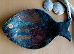 Teller 'Kupfer Fisch' Raku-Keramik von bothendsburning auf Etsy