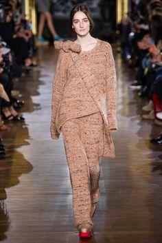 #StellaMcCartney #FW2014_15 #trends #baggy #sweater #Catwalk #PFW #Paris