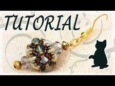 Beading tutorial: Superduo beads and Swarovski bicones Beaded Beads, Beaded Jewelry Patterns, Beads And Wire, Beading Patterns, Bracelet Patterns, Super Duo, Jewelry Making Tutorials, Beading Tutorials, Twin Beads