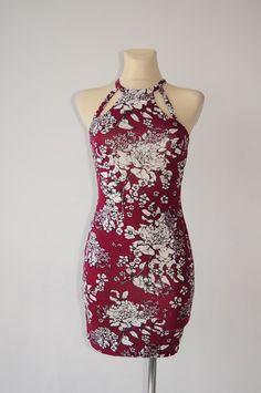 a89cdb2b82 Bordowa mini sukienka w kwiaty r. 36 - vinted.pl