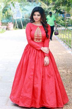 #AthulyaRavi Ravishing in Red Gown <3 #TamilPonnu #Kollywood #Actress Photograph of  Athulya Ravi PHOTOGRAPH OF  ATHULYA RAVI | IN.PINTEREST.COM #ENTERTAINMENT #EDUCRATSWEB