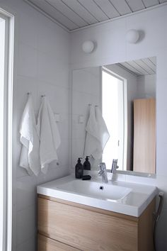 Once Fashion Vanity, Bathrooms, Home Decor, Fashion, Dressing Tables, Moda, Powder Room, Decoration Home, Bathroom