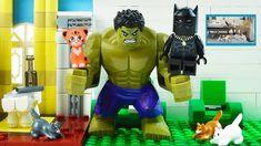 LEGO Hulk Love Cats Superhero Hulk find a cat on the street. Lego hulk try to feed cat. Hulk find pizza and gave it. Than lego hulk play with kitty and bring. Lego Hulk, Lego Batman, Spiderman, Lego Ninja Turtles, Teenage Mutant Ninja Turtles, Cat Superhero, Lego Iron Man, Lego For Kids, Cool Animations