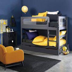 Séparables, ces lits superposés, à la ligne épurée et contemporaine, se transforment en 2 lits jumeaux ou en 1 lit et 1 banquette !