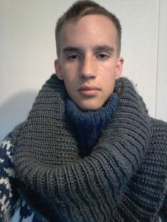 Hunter Knox Hot Men, Hot Guys, Chunky Knitwear, Winter Fashion, Women's Fashion, Style Men, Turtlenecks, Wool Sweaters, Pulls