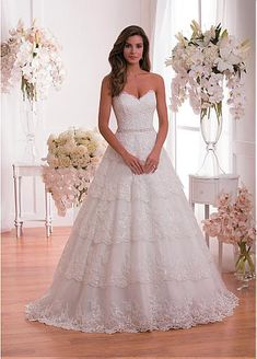 Elegant Tulle Sweetheart Neckline Natural Waistline Ball Gown Wedding Dress With Sequin Lace Appliques