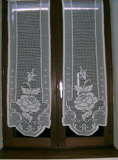 Pink flowers tends to handmade white cotton Etsy Filet Crochet, Crochet Patterns Filet, Bobbin Lace Patterns, C2c Crochet, Crochet Art, Crochet Home, Crochet Doilies, Hand Crochet, Crochet Curtain Pattern