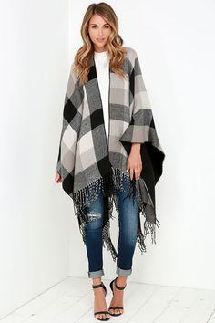 Cozy Weather Grey Plaid Poncho//