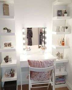 Small Dressing Rooms, Dressing Room Decor, Bedroom Dressing Table, Dressing Room Design, Box Room Bedroom Ideas, Diy Room Decor For Teens, Bedroom Decor For Teen Girls, Small Room Bedroom, Bedroom Decor Grey Pink