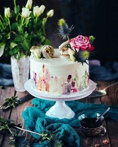 Jablkové tartaletky so slaným karamelom - Coolinári Vanilla Cake, Desserts, Blog, Basket, Tailgate Desserts, Deserts, Postres, Blogging, Dessert