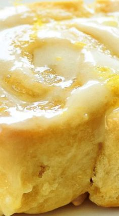 Sticky Lemon Rolls with Lemon Cream Cheese Glaze - lemon desserts Lemon Desserts, Just Desserts, Delicious Desserts, Yummy Food, Health Desserts, Baking Recipes, Cake Recipes, Fruit Recipes, Bread Recipes