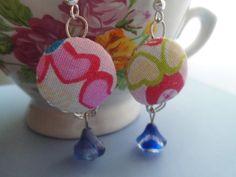 *Pretty* Bunte Ohrringe mit Stoffknopf und Perle von Happy Lilly auf DaWanda.com