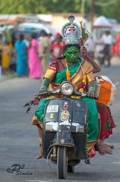 Prakash Commercia on lRoots of India R[o]I Dusshera in Kulassi https://www.facebook.com/photo.php?fbid=955697431114061
