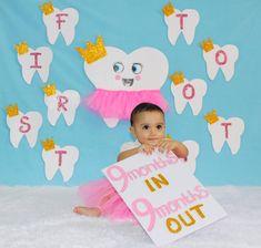 Monthly Baby Photos, Cute Baby Photos, Newborn Baby Photos, Baby Poses, Baby Girl Photos, Baby Pictures, Newborn Baby Photography, Alessi, Baby Month By Month