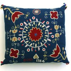 Yllebroderi-blå Swedish Embroidery, Surface Design, Cross Stitch Embroidery, Scandinavian, Needlework, Folk, Throw Pillows, Homemade, Crafty