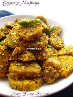Husband loves Guajarati food a lot because of his Ahmedabad connection. Gujarati cuisine is very wide and ha. Vegetarian Snacks, Savory Snacks, Savoury Dishes, Healthy Snacks, Vegan Meals, Yummy Snacks, Veg Recipes, Indian Food Recipes, Cooking Recipes