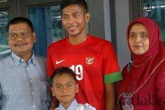 Zulfiandi alias Cole kebanggaan masyarakat Aceh khususnya Bireuen yang telah memperkuat Tim Nasional U-19 bersama Evan Dimas Darmono dan kaw...