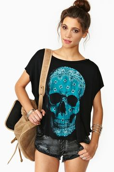 looks so comfy to wear in the summer. Bandana Skull Tee