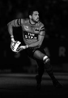 Greg Inglis Photos Photos - NRL Rd 17 - Rabbitohs v Warriors - Zimbio Adam Reynolds, Wests Tigers, Rugby Men, Rugby League, Warriors, Superstar, Sydney, Black And White, Perth Australia