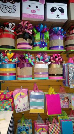 Bolsas y empaques de regalo Creative Gift Wrapping, Creative Gifts, Party Stores, Party Shop, Diy And Crafts, Crafts For Kids, Paper Crafts, Diy Gift Box, Diy Gifts