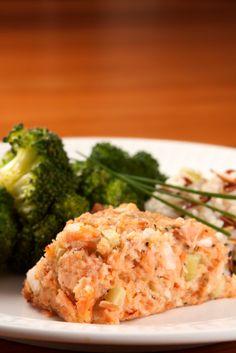 Crockpot Salmon Loaf Recipe with Celery Celery Recipes, Salmon Recipes, Veggie Recipes, Fish Recipes, Seafood Recipes, Uk Recipes, Dinner Recipes, Slow Cooker Recipes, Crockpot Recipes