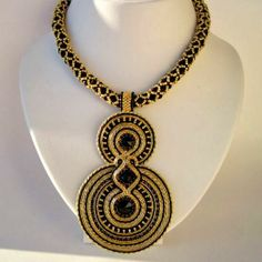 nice color combo -- a statement piece of soutache!