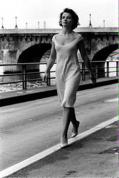 harinef: beginning-me: Juliette Binoche By Robert Doisneau same exact