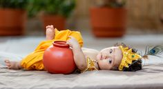 Monthly Baby Photos, Newborn Baby Photos, Baby Poses, Boy Newborn, Baby Krishna, Lord Krishna, Cute Babies Photography, Newborn Baby Photography, Photography Poses