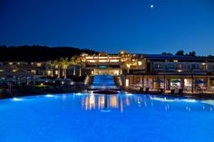 Design and construction of the swimming pool in Miraggio Thermal SPA Resort - Paliouri, Kassandra, Greece. Put into operation in 2016.
