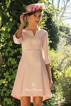 Vestidos de Fiesta. María Picaretta Funky Outfits, Classy Outfits, Fashion Outfits, Mob Dresses, Nice Dresses, Classy Casual, Ao Dai, Dress Patterns, Designer Dresses