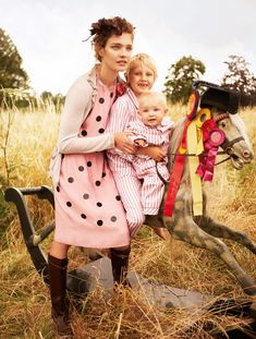 A Fairytale Family - Mario Testino (10 pics) - My Modern Met