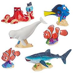 Finding Dory Deluxe Figure Play Set   Disney Store Dive into questionable waters with your pal Dory and the rest of her crew in this <i>Finding Dory</i> figurine playset. Gather up Nemo, Marlin, Hank, and more as you bear the imaginary waves to the Jewel of Morro Bay and beyond!