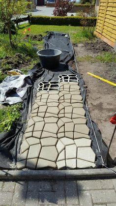 Amazon.de:Kundenrezensionen: @tec Betonform Schalungsform Gießform Polypropylen-Form - Natursteinpflaster Pflasterform Trittstein Pflaster Stein Gehweg - Maße: ca. 44 x 44 x 4 cm
