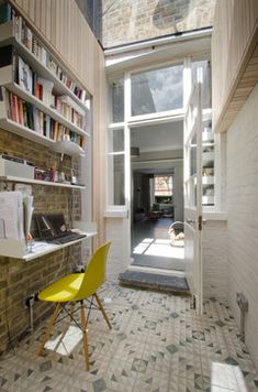Inspiration Home Office Design Ideas. Thus, the need for house offices.Whether you are intending on including a home office or remodeling an old space right into one, here are some brilliant home office design ideas to help you get going. Mesa Home Office, Home Office Desks, Office Decor, Office Ideas, Men Office, Office Furniture, Office Setup, Office Designs, Office Style