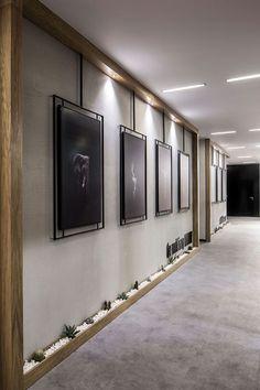 A look into Elissa Stampa& sleek Istanbul office - Officelovin & # 39 - . - A look into Elissa Stampa& sleek Istanbul office – Officelovin & # 39 – - Lobby Design, Design Entrée, Design Firms, Home Design, Design Ideas, Creative Design, Display Design, Design Concepts, Floor Design