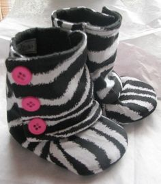 Cute! I feel like I could figure out how to make these for my niece...she LOVES boots!! :)