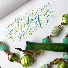 729 отметок «Нравится», 18 комментариев — Sue (@oliveleafcalli) в Instagram: «Having fun blending two inks. #calligraphy #calligraphysg #ombrecalligraphy #obliqueholder…»