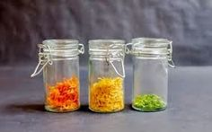 Dried Citrus Zest (spices and herbs charts) Citrus Recipes, Raw Food Recipes, Healthy Recipes, Spice Blends, Spice Mixes, Canned Food Storage, Spices And Herbs, Dehydrated Food, Dehydrator Recipes