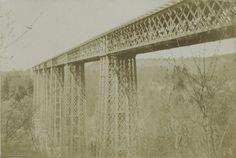 """Fribourg, Grandfey Viadukt.  Ans_05497-015-AL. User Walter: """"Das könnte die erste Grandfey Eisenbahnbrücke 1857-1862 bei Fribourg sein. Sie wurde später mit Beton umhüllt (1925-1927)."""""""