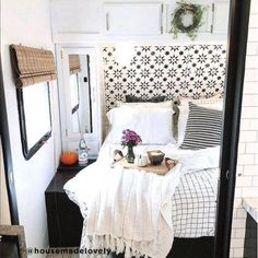 Amazing Ideas To Turn Your Camper Just Like Your Own Home 47 Amazing Ideas To Turn Your Camper Just Like Your Own Home. Amazing Ideas To Turn Your Camper Just Like Your Own Home 47 Amazing Ideas To Turn Your… Continue Reading → Pimp My Caravan, Retro Caravan, Camper Interior, Interior Design, Rv Interior Remodel, Interior Doors, Camping Con Glamour, Vintage Camper, Vintage Rv